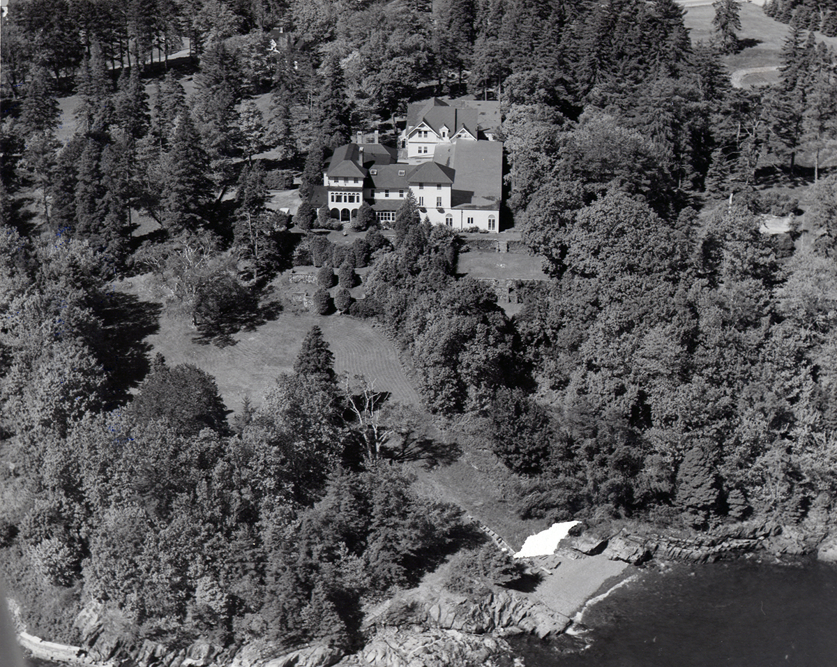 Aerial view of Guy's Cliff (renamed Kaelber Hall), photograph, pre-1983